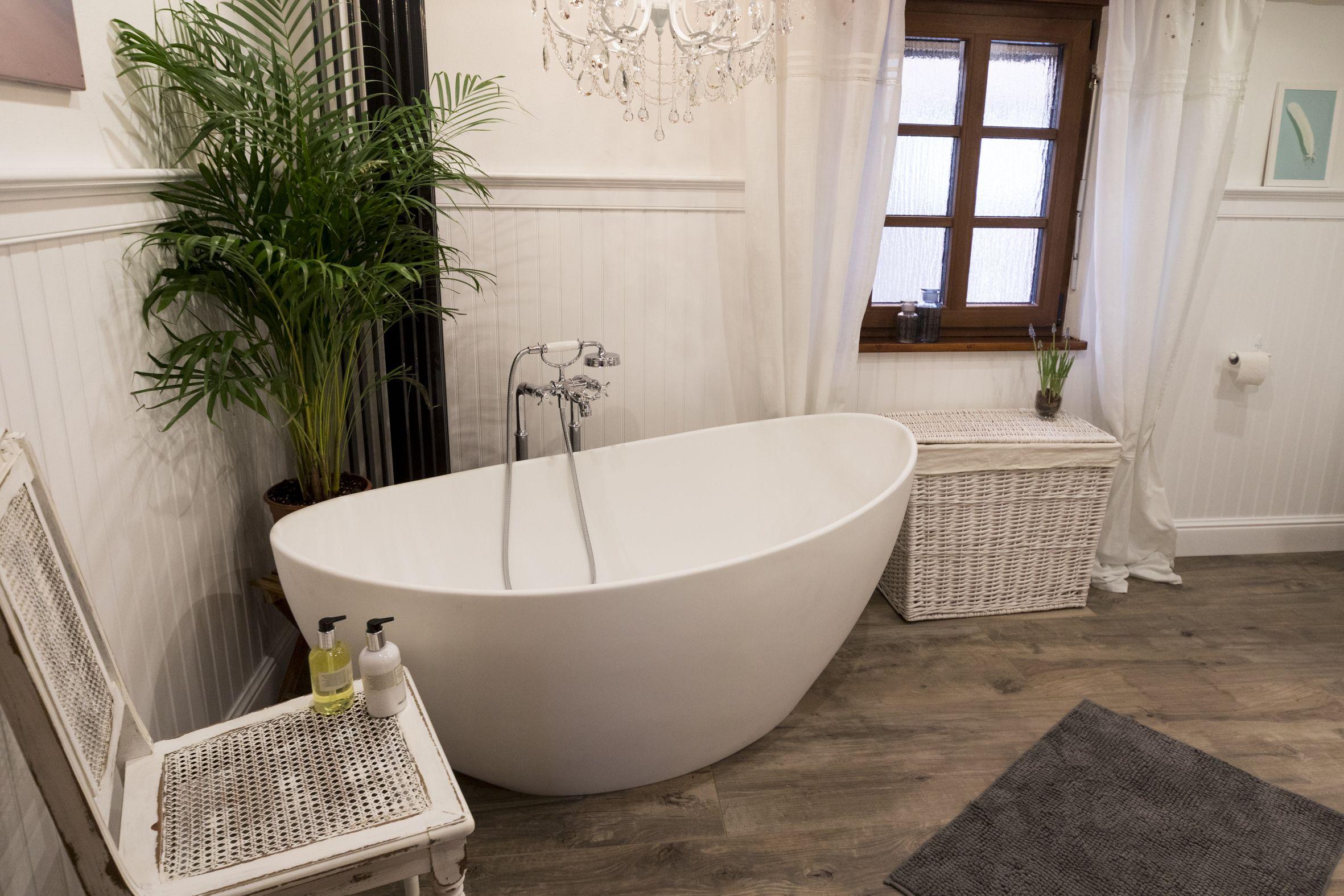 Beadboard De Wandverkleidung Holzpaneele Schwedenhaus Keine Fliesen Im Fachwerkhaus Einrichten Und Wohnen Badezimmer Wandverkleidung