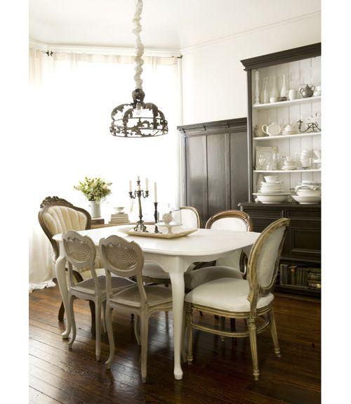 All-White Victorian Sala jantar, Construção e Preferido
