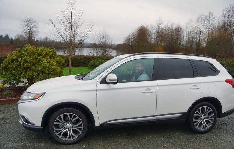 Out and about in the 2016 Mitsubishi Outlander Rave