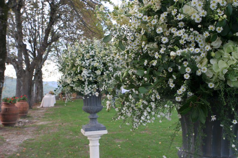 Lovely! www.tuscaniaevents.com