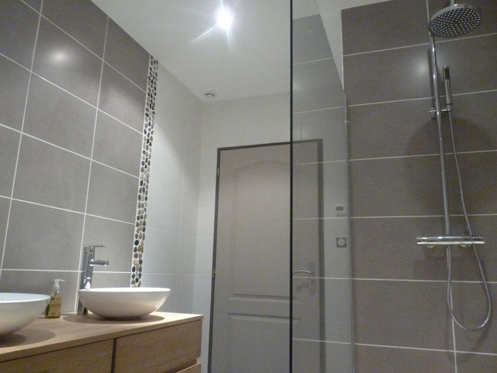 photo la salle d 39 eau pour notre chambre en cours de fini d coration salle de bain. Black Bedroom Furniture Sets. Home Design Ideas
