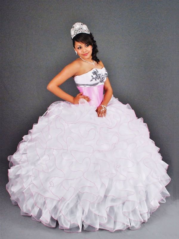 de1ebe21fb0 BallGown Sweetheart Organza Floor-length White Tiered Quinceanera Dress at  sweetquinceaneradress.com