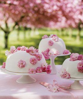 A Cherry Blossom-Inspired Wedding