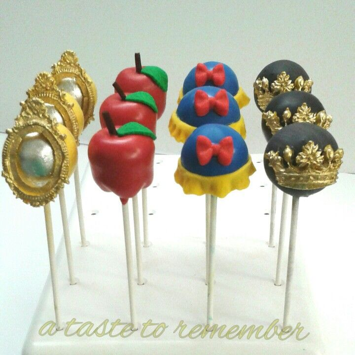 snow white inspired cake pop set cake pops pinterest blancanieves princesas y blanca. Black Bedroom Furniture Sets. Home Design Ideas