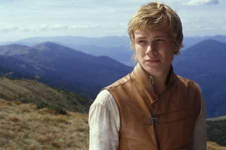 Eragon. Enchanter, dragonrider, and warrior. A fascinating hero. A lover. A dreamer.