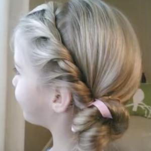女の子のための プリンセス ヘア アレンジ ピアノ発表会や結婚式にも使える ルーズヘア ヘアスタイリング プリンセスのヘアスタイル