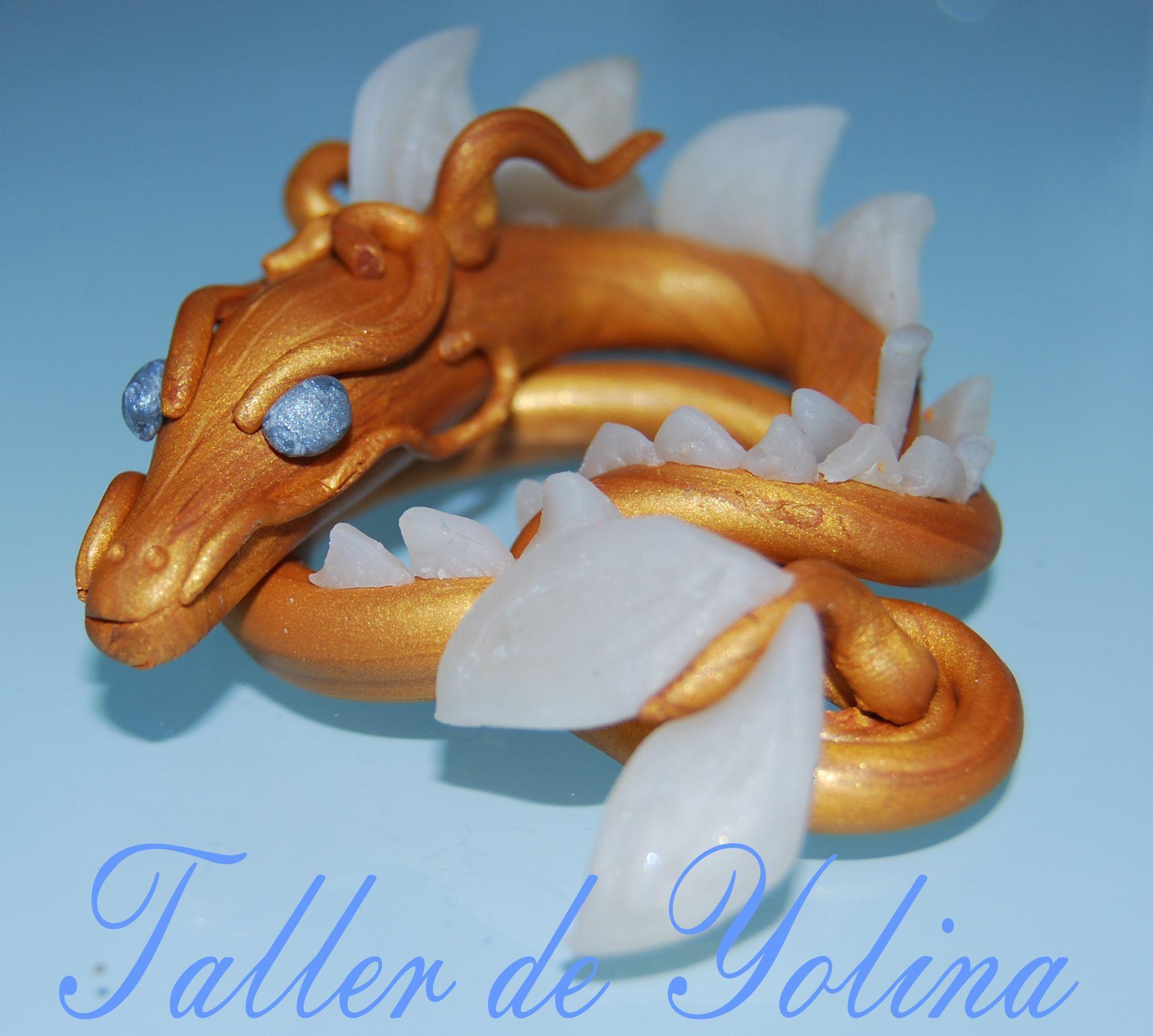 Os presento un dragón dorado,protector de un gran secreto.........