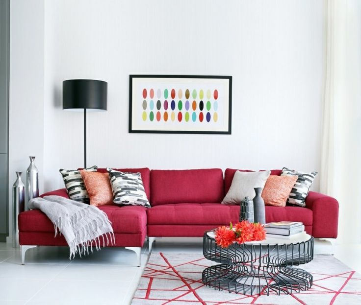 Photo de canapé chic rouge dans un salon moderne et contemporain ...