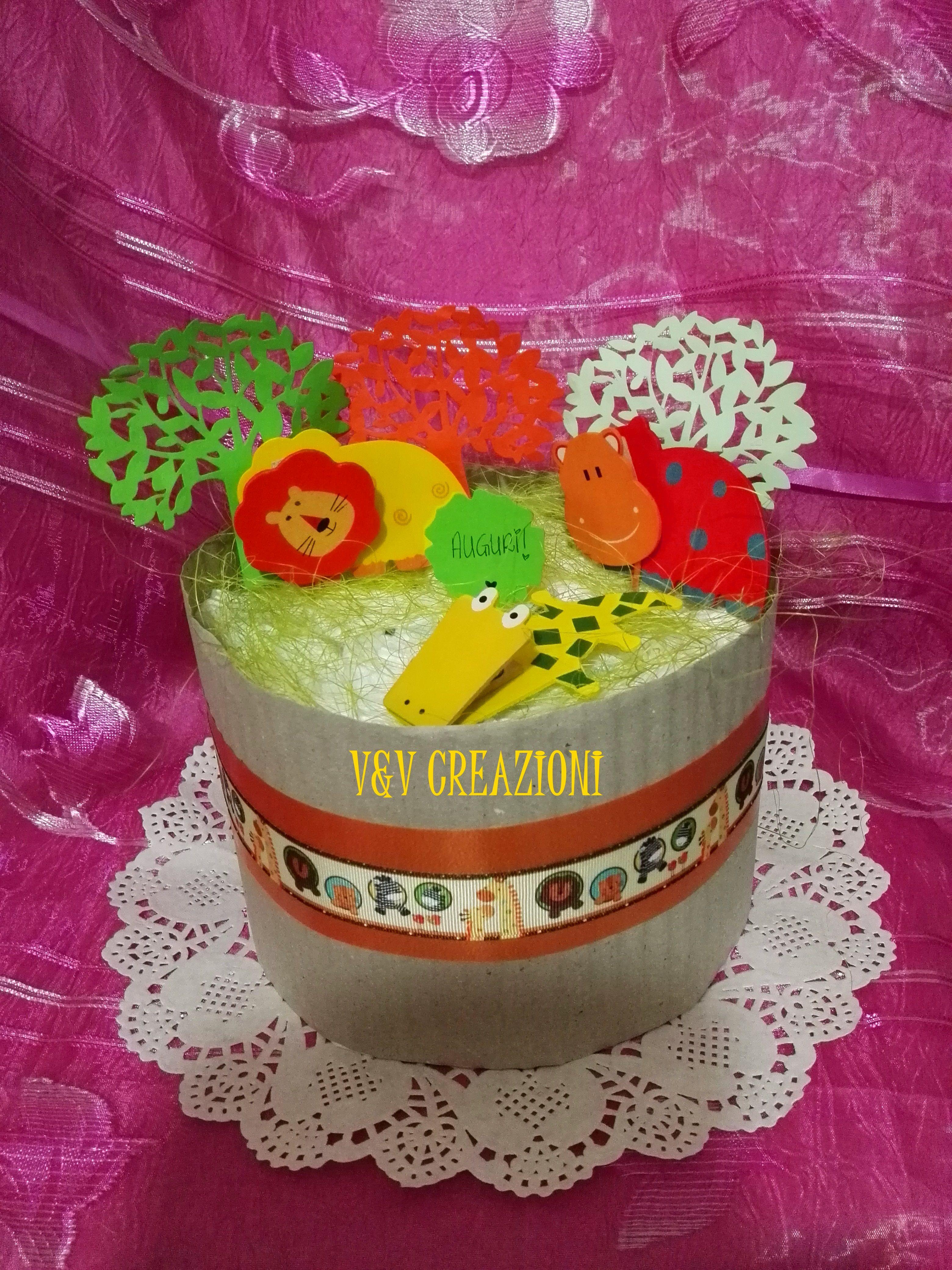 V&V CREAZIONI - L'atelier dei pannolini* Dal 2012,serietà, professionalità e cortesia accompagnano le nostre TORTE DI PANNOLINI♥ Solo prodotti unici e di classe Ci trovate a Sestu ed Elmas (CA) - Fb:https://www.facebook.com/VeVCreazioni * Instagram: www.instagram.com... * Diaper cakes, Torta de panales, baby shower, newborn ♥