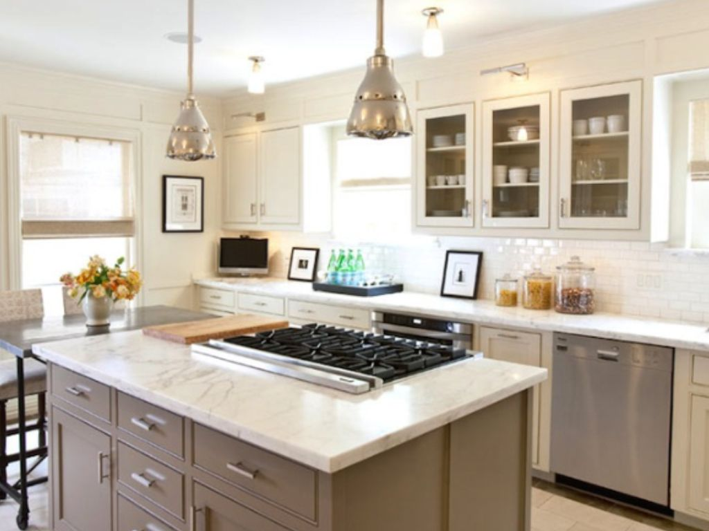 cooktop in island facing out can cook and entertain watch kids at the same time white on kitchen island ideas kids id=76114