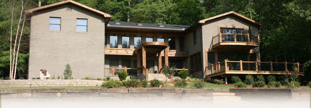 BLUE RIDGE, GEORGIA LARGE GROUP RENTAL: Laughing Bear Lodge