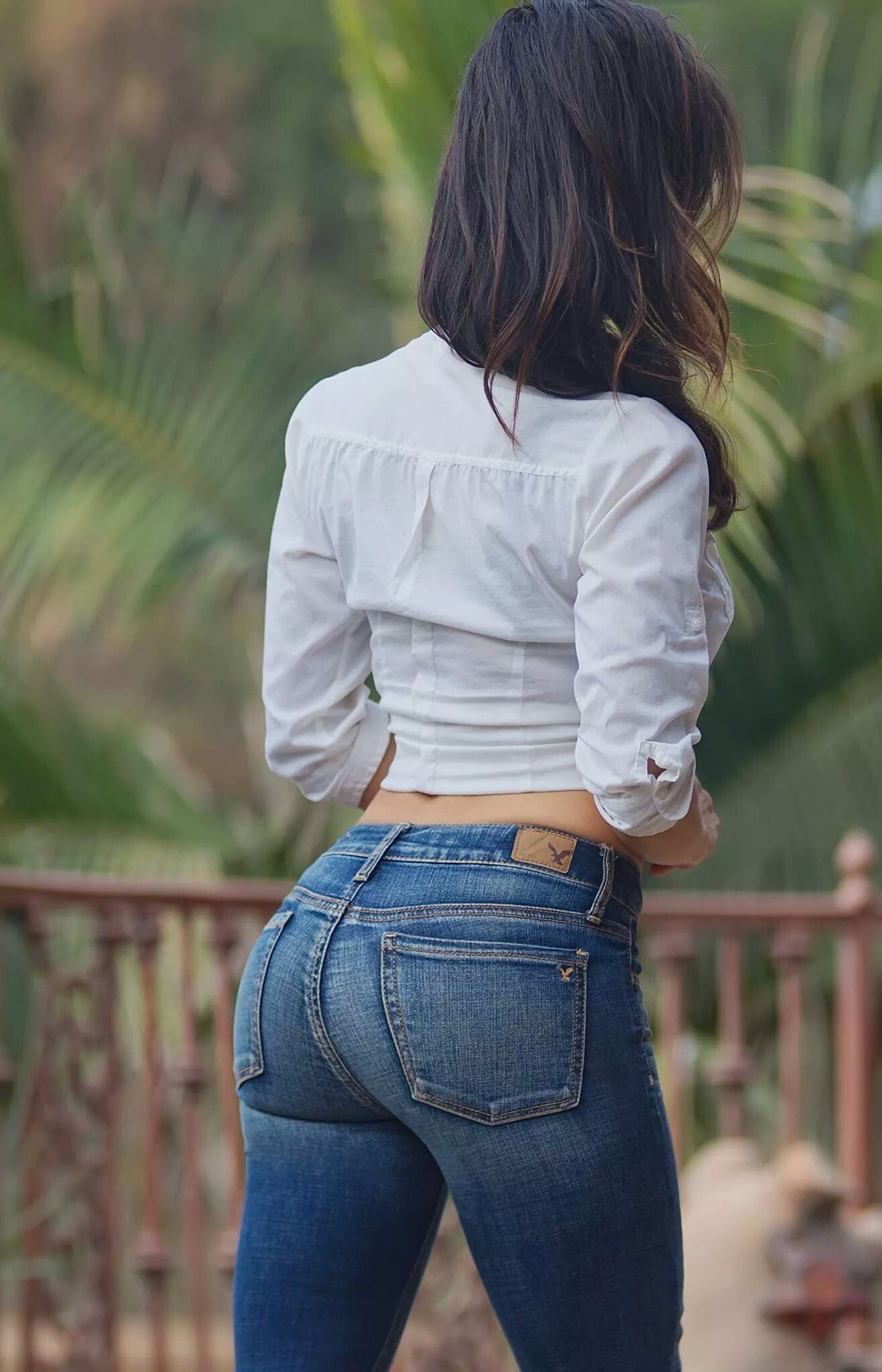 Girls And Their Tight Jeans
