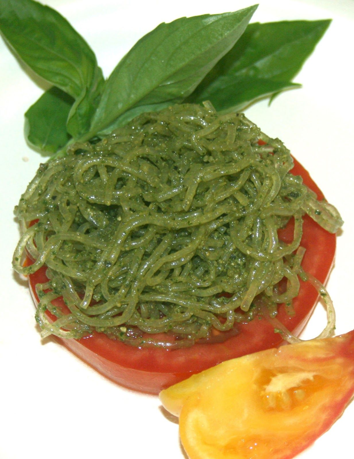 Natural zing official blog raw pesto sauce with kelp noodles recipe food forumfinder Image collections