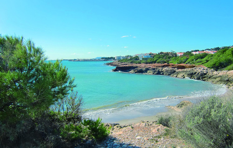 Calas De Ribamar Para Amantes De Los Deportes Náuticos Camping De Playa Calas Alcala De Xivert