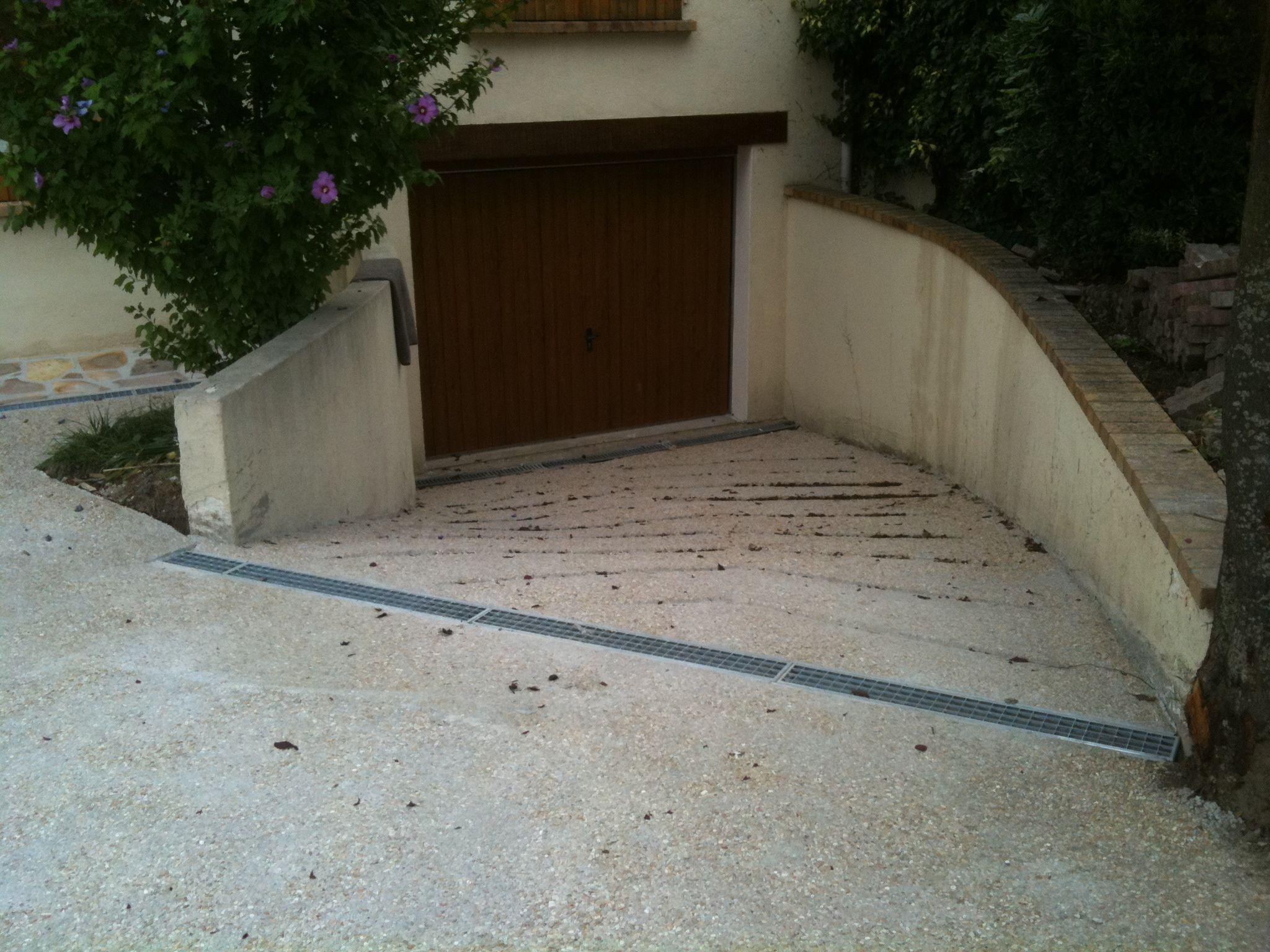 Descente De Garage Avec Pose D Une Grille D Evacuation D Eau Pluviale Entree De Garage Eau Pluviale Garage