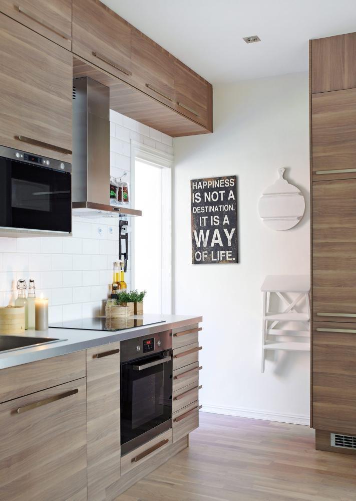 kj kken sofielund fra ikea istedenfor vanlige skap verst mot taket er det brukt ventilatorskap. Black Bedroom Furniture Sets. Home Design Ideas