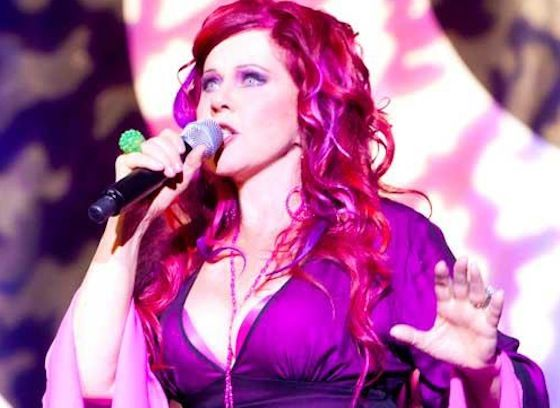 Kate Pierson The B 52s Redheaded Siren Talks Top Chef Cyndi