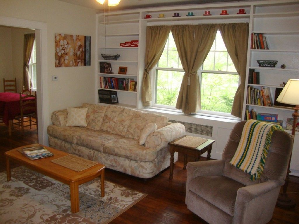 474016 Pet Friendly, Fenced Yard, Sunny and