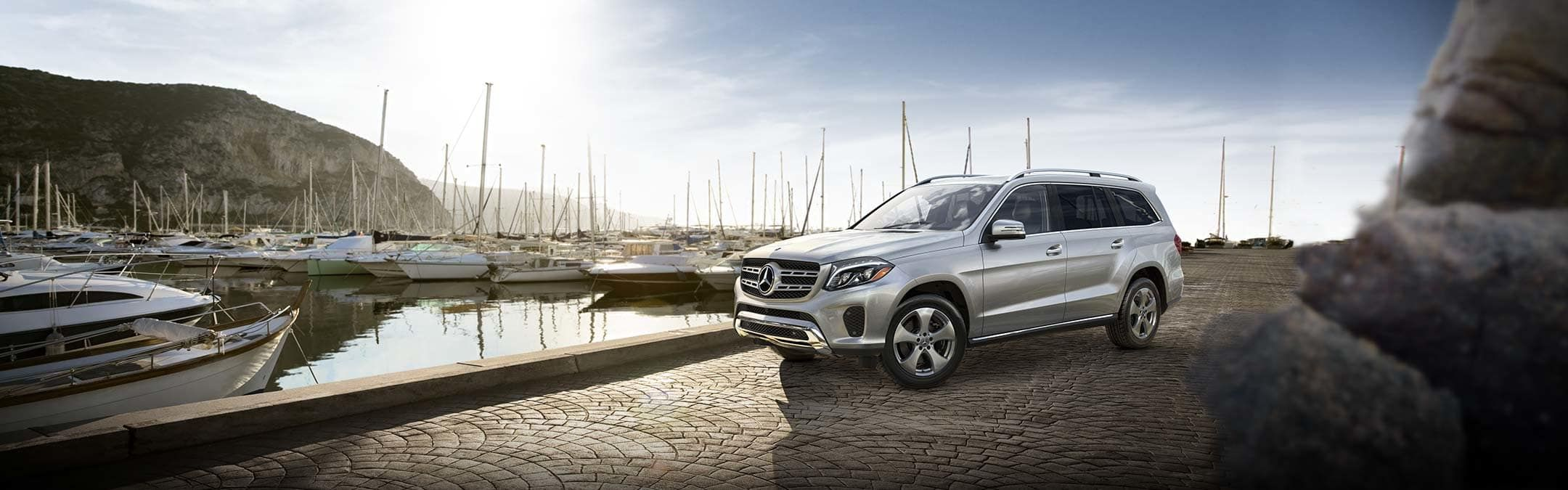 New Mercedes Benz Gls Suv Debuts Currently The Largest Mercedes