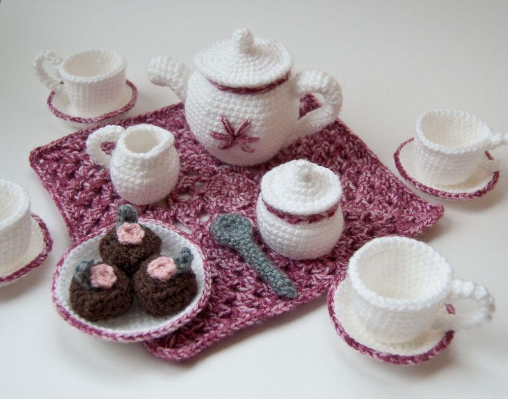 Amigurumi Crochet Teapot Pattern : crocheted- Teapot, teacups and saucers Amigurumi Tea Set ...