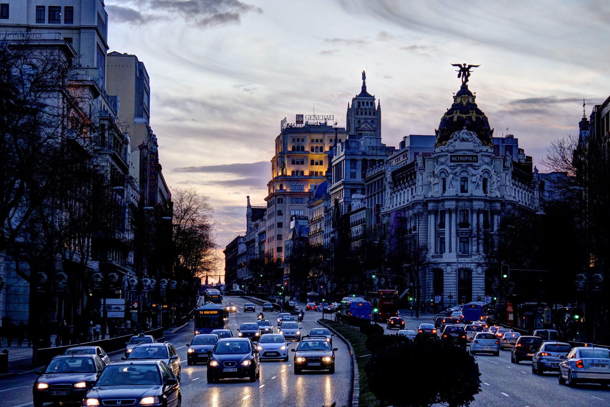 Calle de Alcalá. Madrid by Raúl Gómez