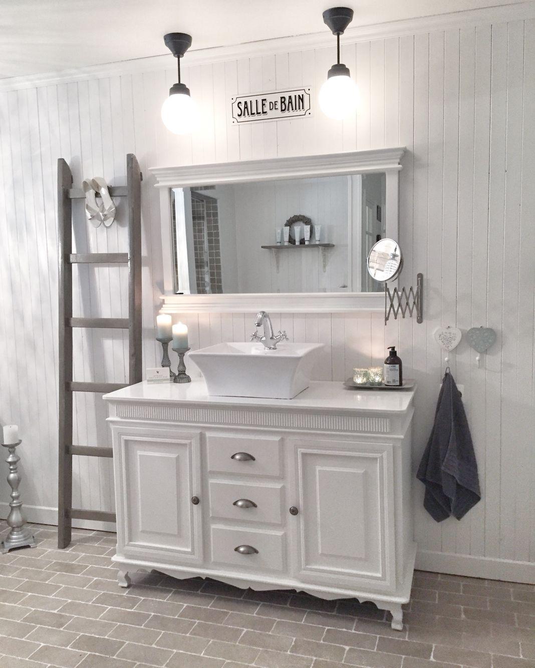 Bathroom ! @behindabluedoor #bathroom