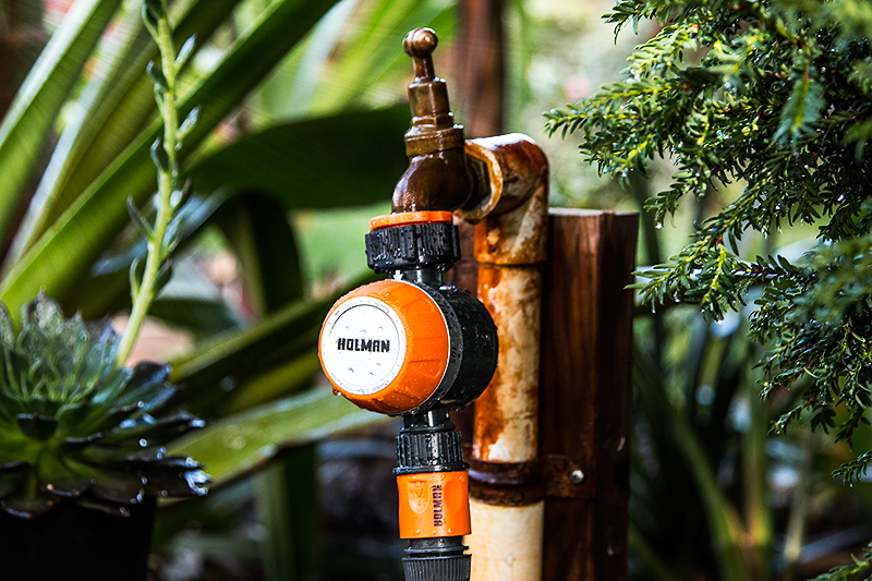 The Holman Mechanical Tap Timer Fits To A Standard Garden Tap And Times The  Water Flow To Any Garden Hose Or Watering System Connected.