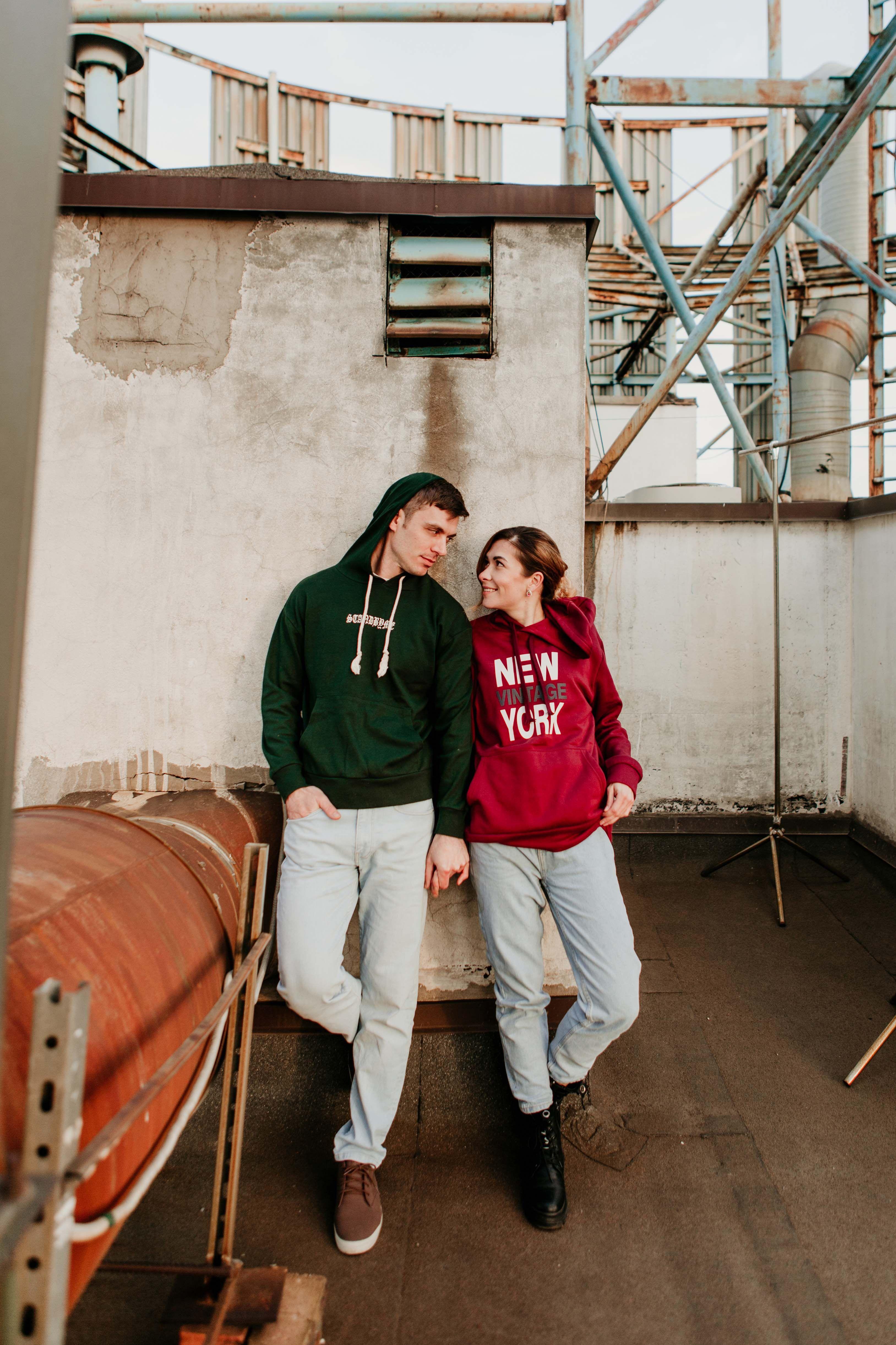 Love Story Fotosessiya Na Kryshe Fotosessiya Dlya Pary Na Ulice Love Story Photography Ideas On The Roof Couple V 2020 G Parnye Fotosessii Fotosessiya Dlya Pary Fotosessiya