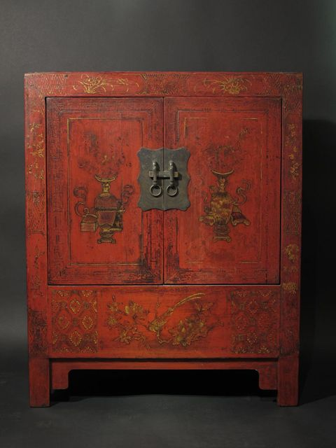 19th Century Chinese Red Lacquer Cabinet I Want Would Make A Good Drinks Cabinet Hmmmm Antique Chinese Furniture Chinese Furniture Asian Furniture