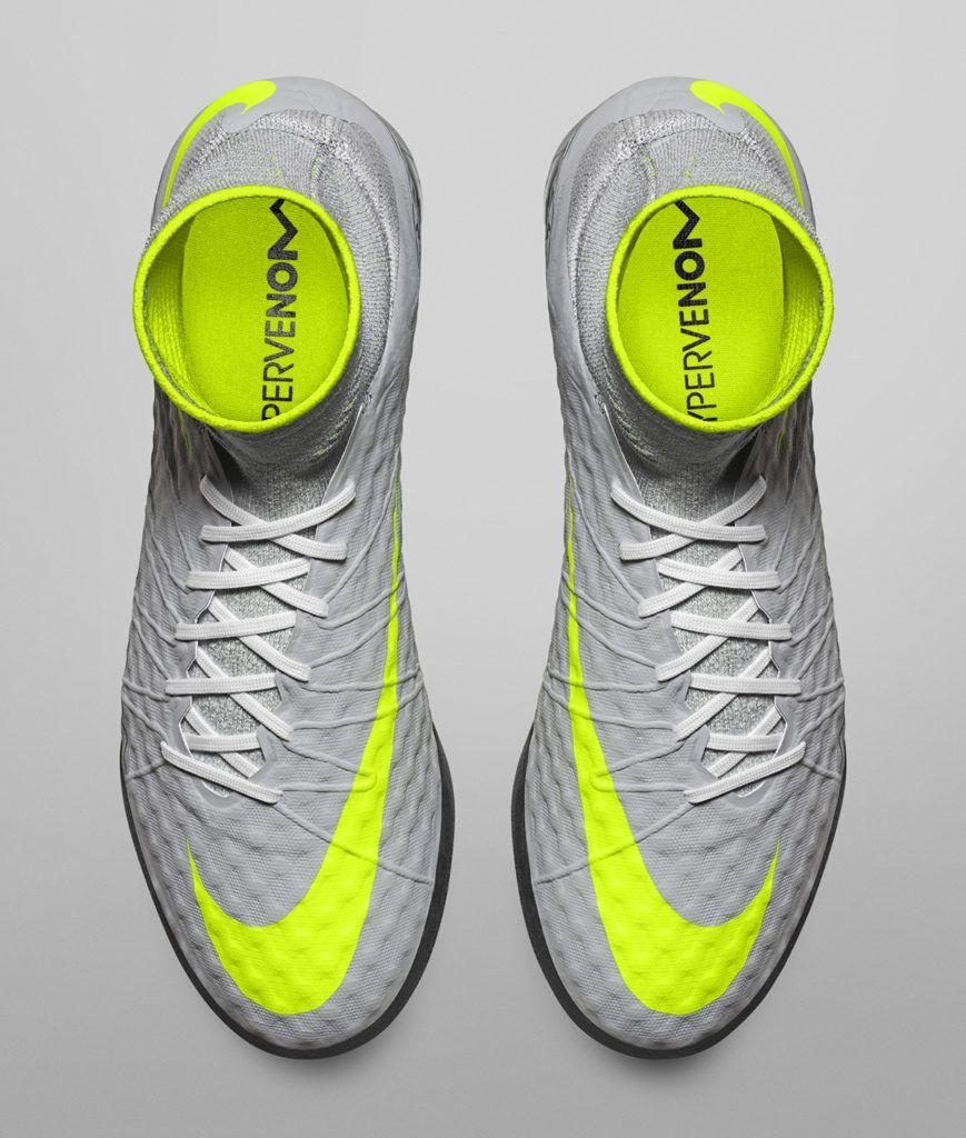 "2227058835afa The NikeFootballX ""Heritage Pack"" Takes on Classic Air Max Colorways  Chuteiras"