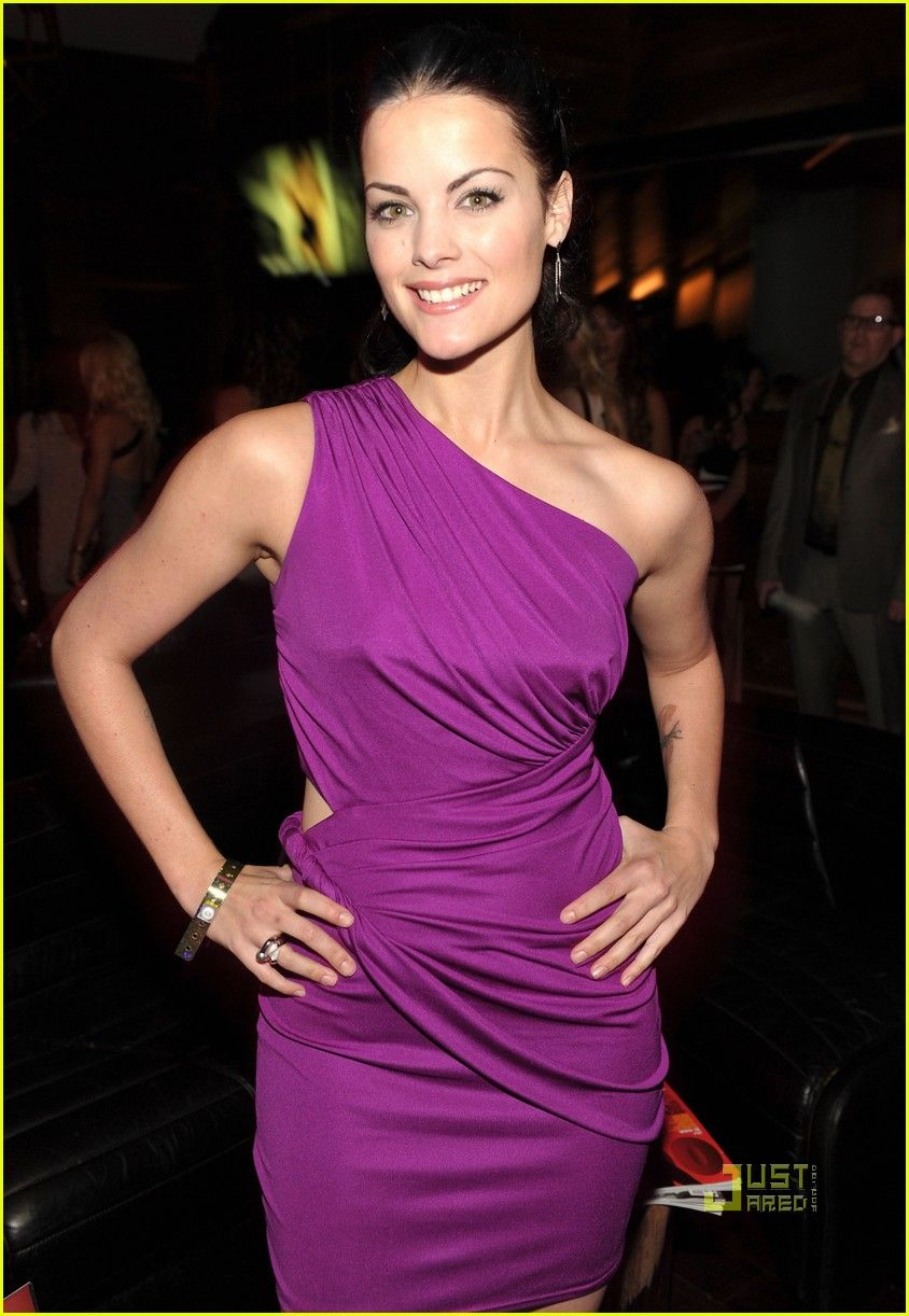 I love this purple on Jaimie Alexander, actress in Thor. | Rainbow ...