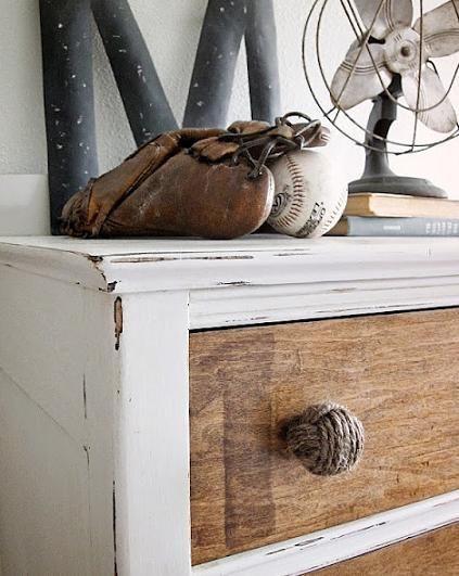Distressed Dresser Vintage Decor Bb Mitt Fan Books Diy Kommode Ideen Hering