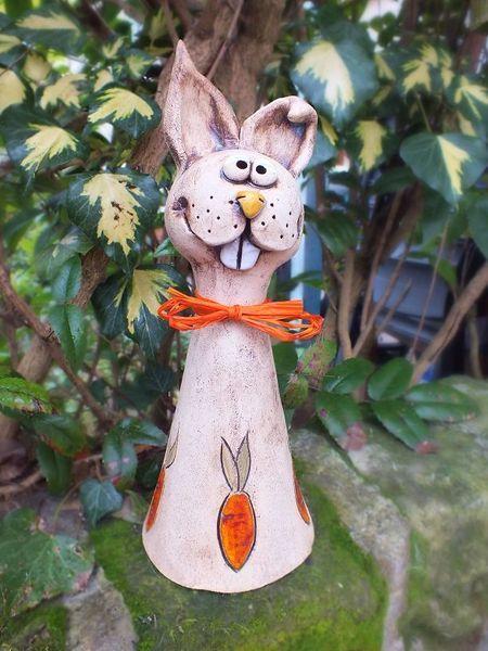 Hase ostern zaunhocker rosenkugel gartenkeramik von terra for Gartendekoration tiere