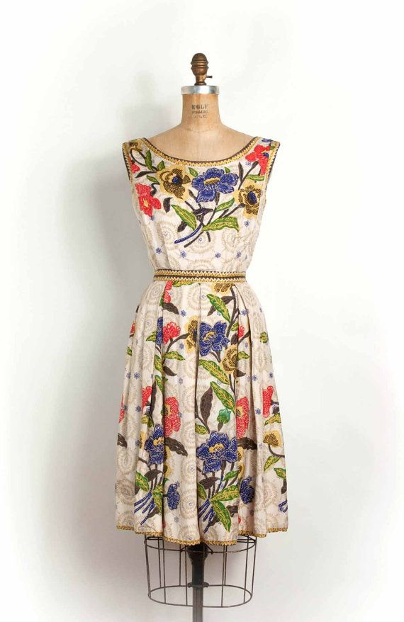 65736024b84 vintage 1950s garden party silk floral dress -- Suzy Perette (extra small  size). I love it but it s too small for me.