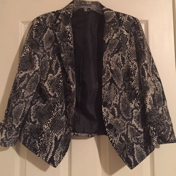 Snake skin pattern jacket This blazer is perfect to spice up any outfit Express Jackets & Coats Blazers