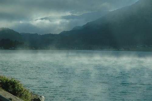 Brumes sur le lac de Silvaplana au petit matin