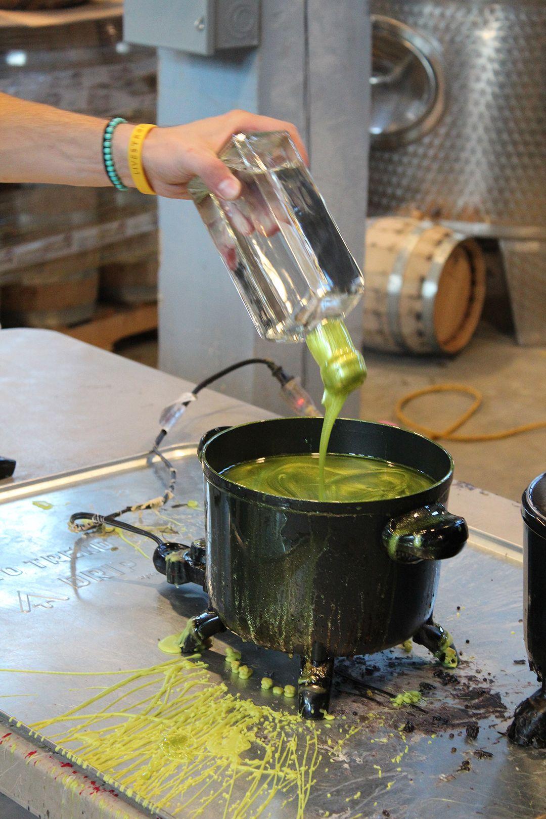 Handwerksarbeit bei Journeyman Distillery Three Oaks / Michigan