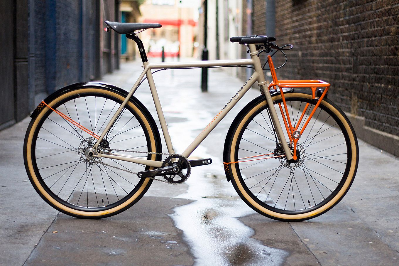 Commuter bike by august bicycles