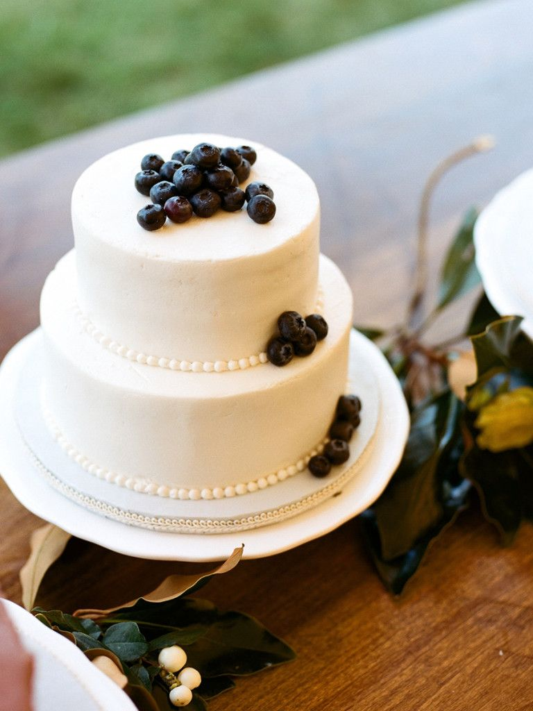 Wedding cake with blueberries. Sarah Jane Winter | Snippet & Ink