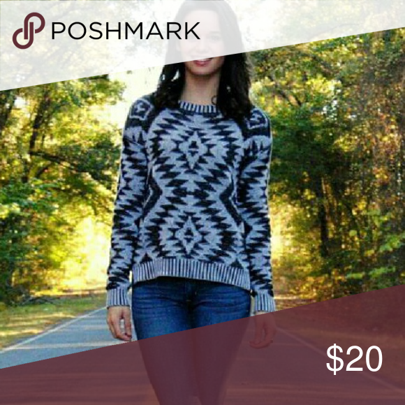 Black and Grey Sweater Geometric pattern. Flowing sweater. Very light weight and very comfortable. NOT itchy! Sweaters Crew & Scoop Necks