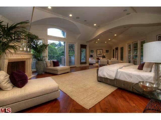 Master Bedroom Suite With Images Huge Master Bedroom Large