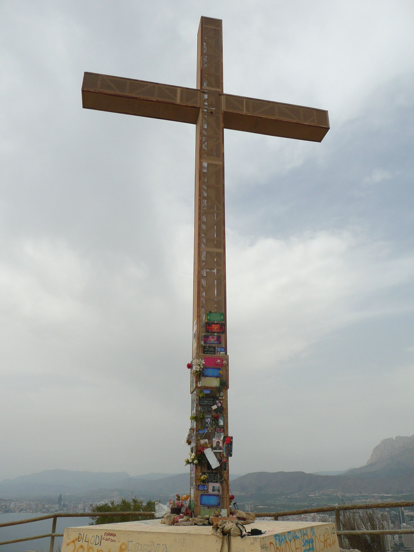 Een wandeling naar het kruis hoort eigenlijk wel bij een vakantie in Benidorm. Wel wordt aangeraden dit te doen tijdens niet al te hoge tempraturen.
