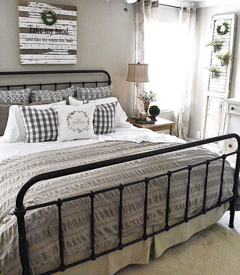 47 Astonishing Farmhouse Bedroom Remodel Ideas images