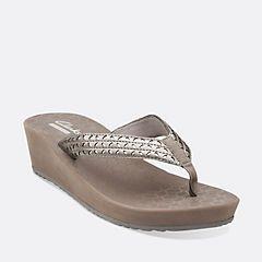clarks flip flops womens