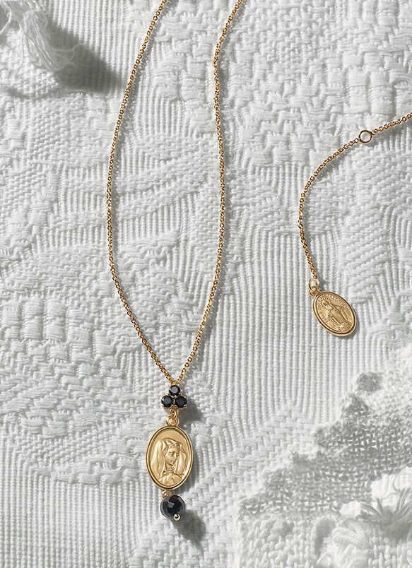 Gold filigree jewelry with black gemstones DG Jewellery