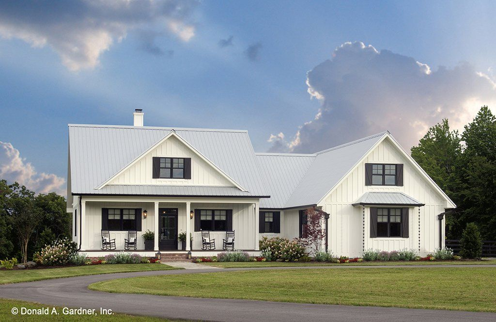 Country Style House Plan 3 Beds 2 Baths 1905 Sq Ft Plan 929 8 Country Style House Plans House Plans Farmhouse Farmhouse Floor Plans