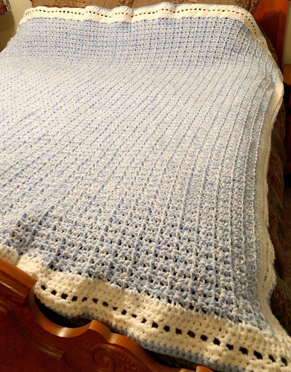 Photo of Modern Double Crochet V-Stitch Chunky Blanket – Pattern Princess