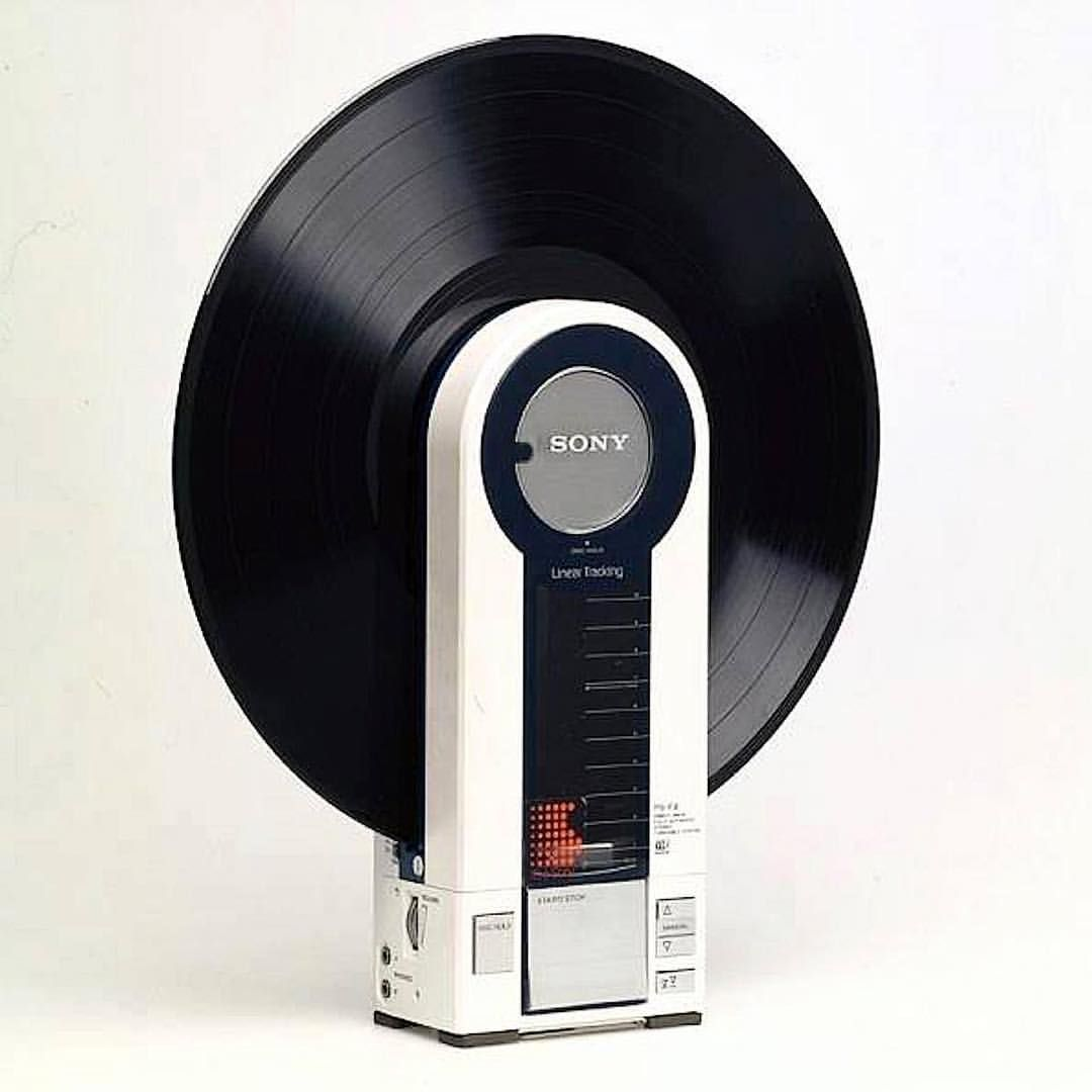 "Gefällt 8,634 Mal, 165 Kommentare - Your Largest 80s Vibe (@neontalk) auf Instagram: ""Sony PS-F9. Vertical and Portable record player. 1983 … Follow @neontalk"""