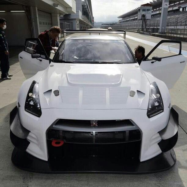 nissan gtr tuning tuned cars pinterest traumauto autos und motorr der und autos. Black Bedroom Furniture Sets. Home Design Ideas