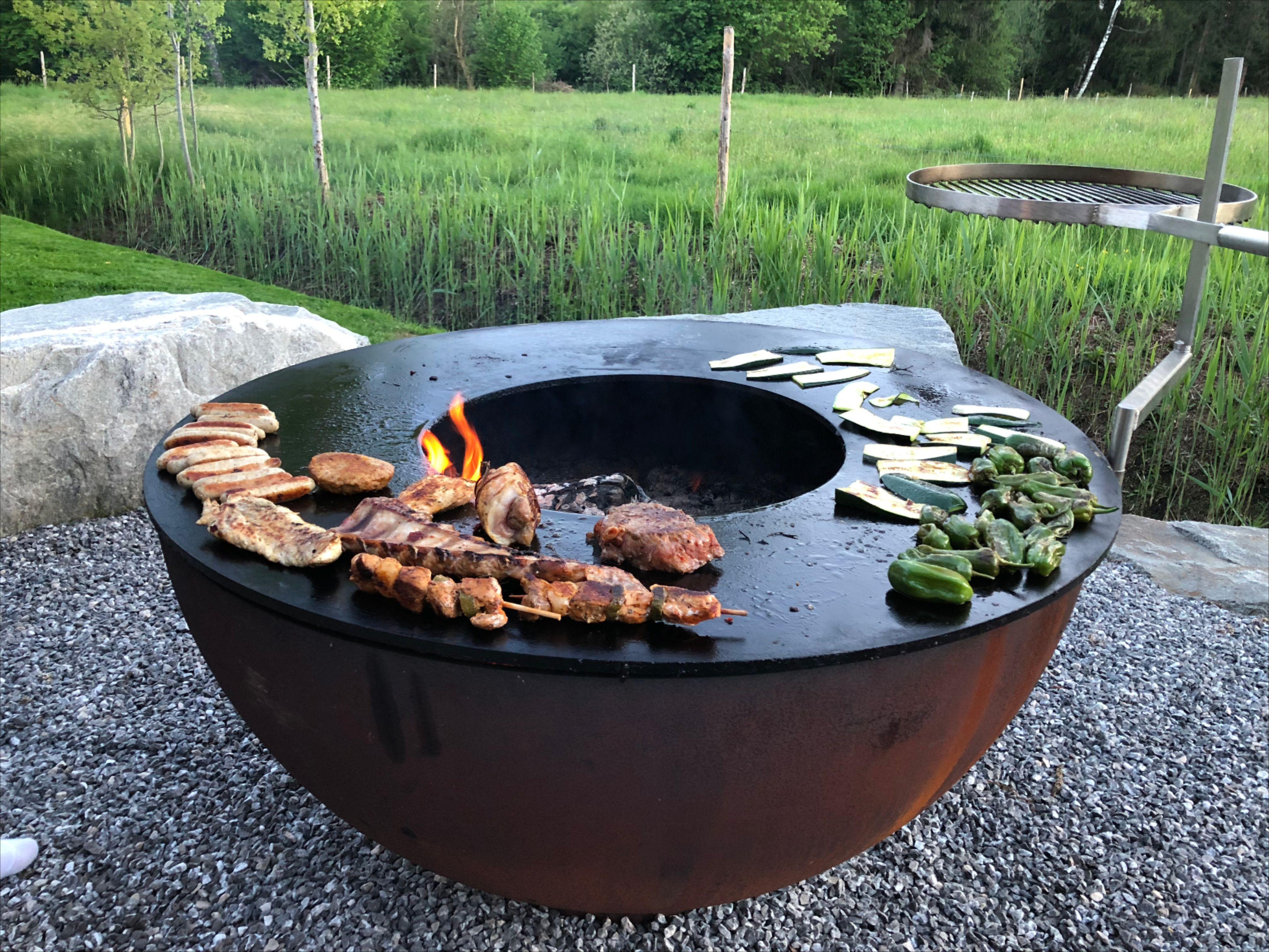 Gemutlich Grillen Rund Um Das Feuer Feuerschale Feuerkorb Garten Terrasse